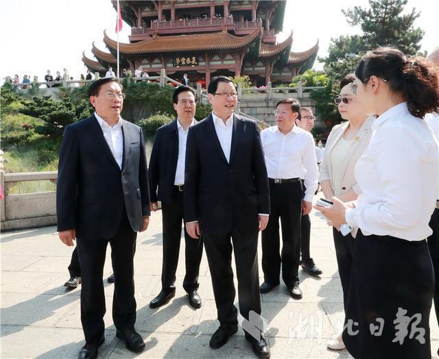 燕黄鹤楼武昌火车站...国庆节中秋节假期的第一天,你应该去武汉检查这些地方 第2张