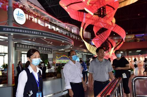 """武汉科技馆迎来了全面开放后的第一个""""双节"""",向祖国、中秋节和科普共享致敬 第8张"""