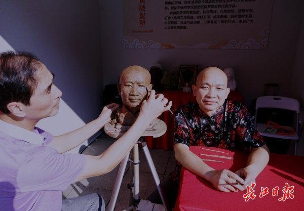 来东湖嘉年华看韩派的艺术收藏,是一种非遗艺术。 第1张