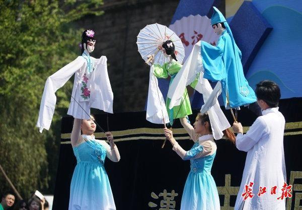 来东湖嘉年华看韩派的艺术收藏,是一种非遗艺术。 第6张