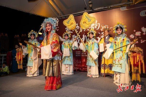 """壮丽的长江是舞台,中国歌剧""""乘风破浪"""" 第4张"""