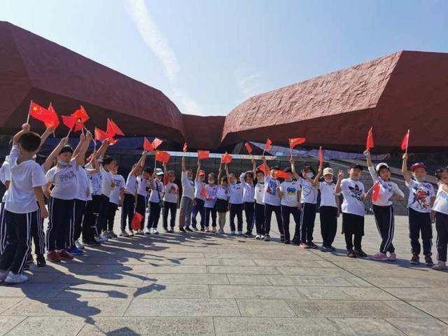 让革命故事走出博物馆,让红展队进入社区 第3张