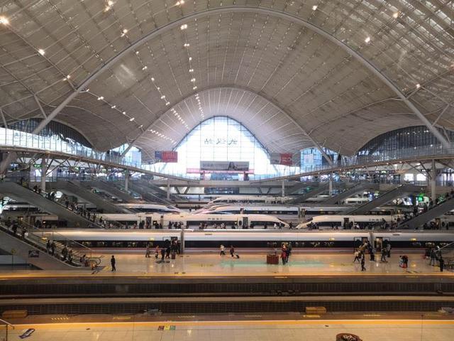 武铁迎来了客流高峰,10月7日将新增148列火车 第2张