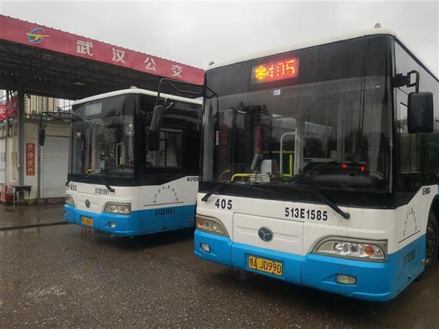 车次加密,发车距离缩短。武汉公交响应国庆假期高峰 第1张