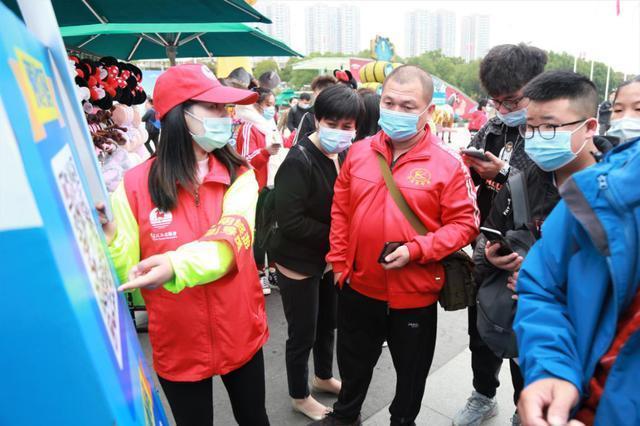 """武汉景区人气旺,志愿服务保障""""十一""""优质旅游 第2张"""