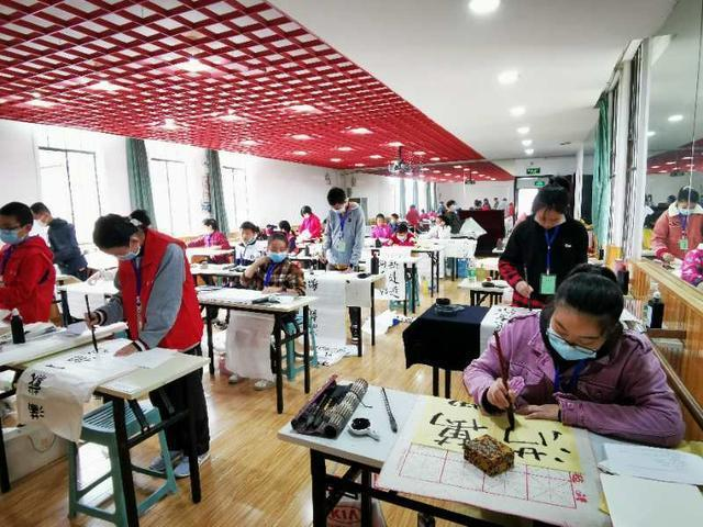 400多名武汉市少年儿童书画大赛今天举行 第4张