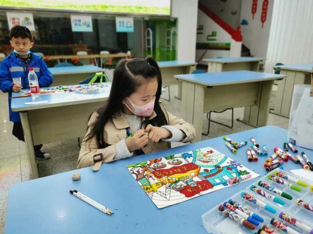 400多名武汉市少年儿童书画大赛今天举行 第2张
