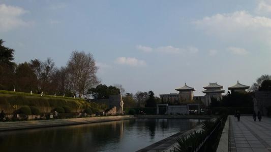 武汉有沙尘天气,预计24日逐渐结束,注意防护 第1张