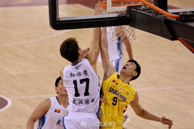 武汉当代以72-87不敌陕西信达,锁定联赛第四。 第3张