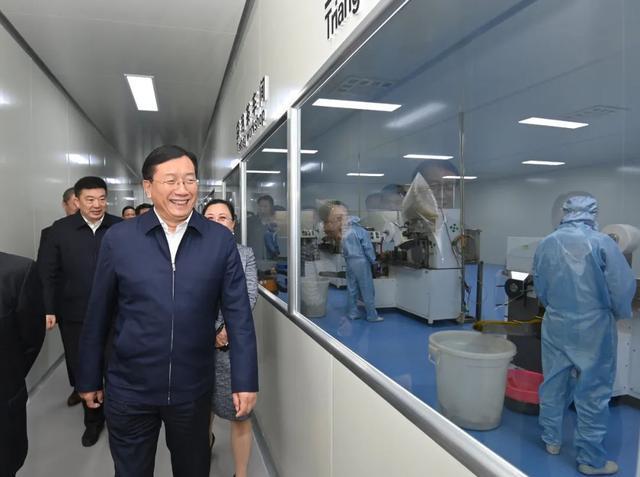 王忠林赴来凤考察对口支援扶贫合作:帮助继续加强和促进共同繁荣。 第5张