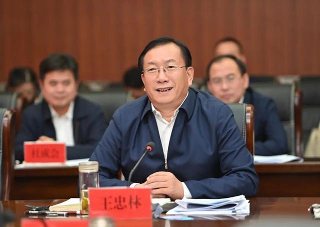 王忠林赴来凤考察对口支援扶贫合作:帮助继续加强和促进共同繁荣。 第6张