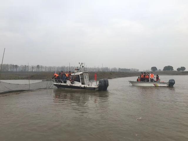 在长江支流开展执法检查,9支执法队伍全面清理非法捕捞。 第2张