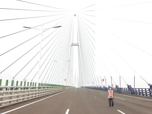 青山长江大桥将于下月通车,武汉河将增加新的地标。 第2张