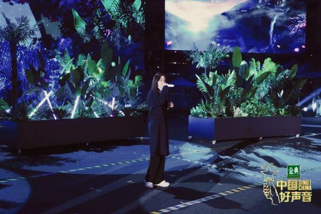 《好声音》总决赛将于今晚在武汉举行,李的歌单将在、、公布。 第4张