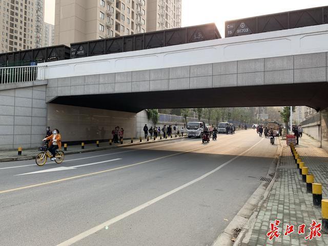 武汉今年将完成80条微循环道路的建设。你家附近有吗? 第2张