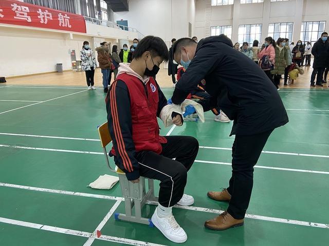 """武汉举办""""师生急救技能""""大赛,确定急救专家。 第2张"""