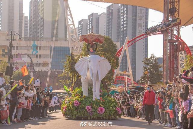 """冬天,热度不会下降,但会在武汉欢乐谷上升,然后结束造福人民的""""文化盛宴""""。 第2张"""