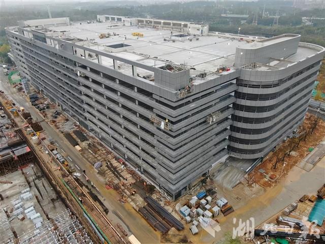 有3000个停车位!国内医院面积最大的单体停车楼已经建成。 第2张