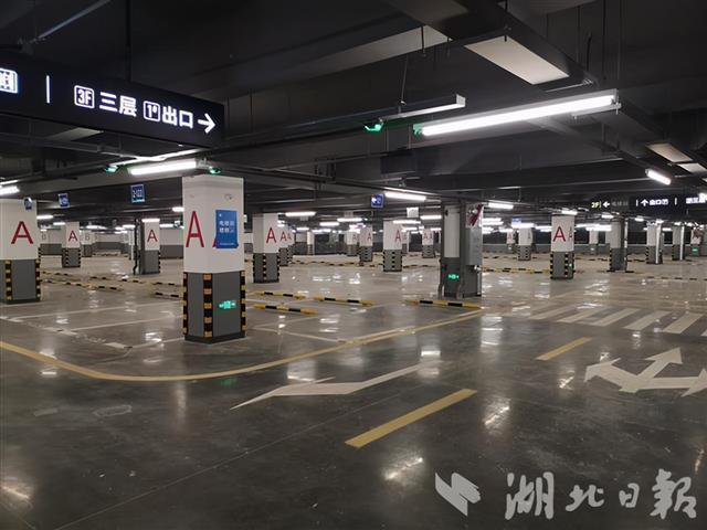 有3000个停车位!国内医院面积最大的单体停车楼已经建成。 第3张
