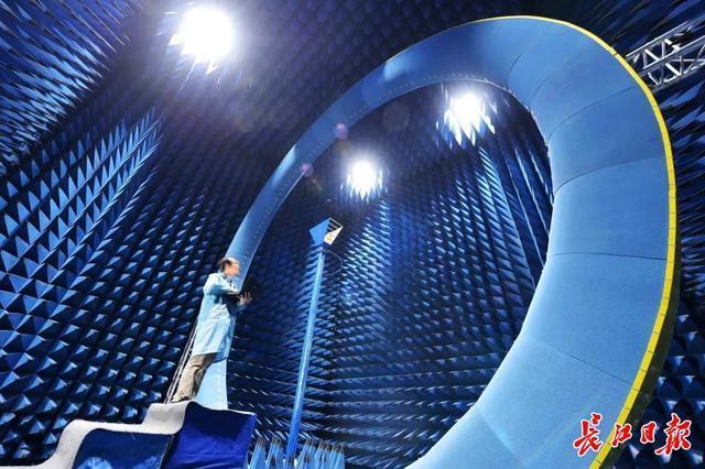 """武汉""""光芯屏网""""等万亿产业集群崛起,新兴工业园连成一线,形成""""山谷"""" 第3张"""