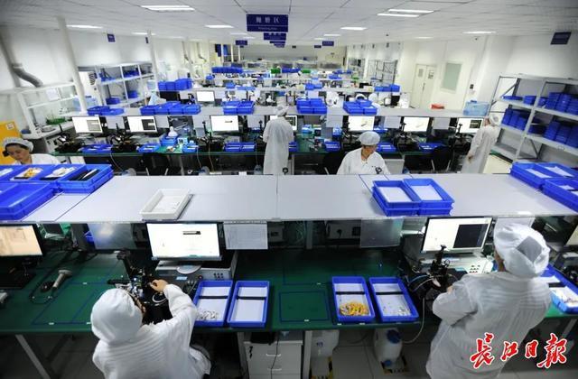 """武汉""""光芯屏网""""等万亿产业集群崛起,新兴工业园连成一线,形成""""山谷"""" 第4张"""
