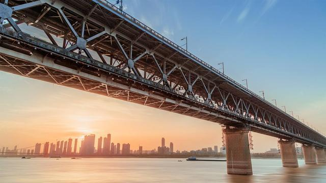 市委宣传组深入武汉旅游体育集团学习,将旅游体育产业推向新的征程。 第1张