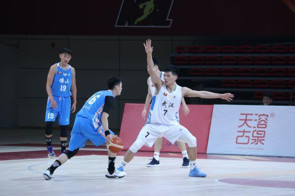 2020赛季,武汉当代男篮不断创造历史。 第1张
