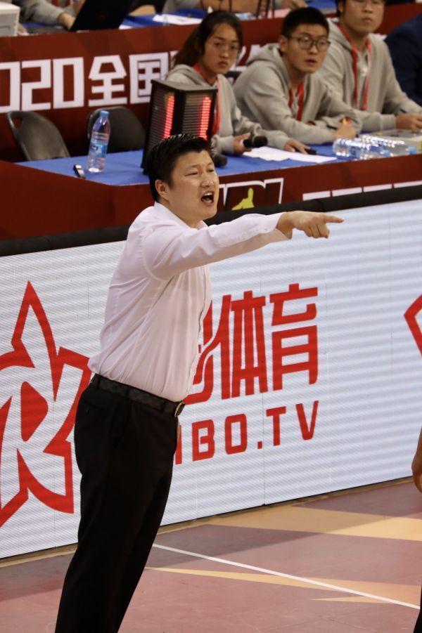2020赛季,武汉当代男篮不断创造历史。 第5张