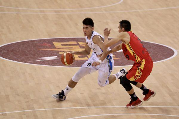 2020赛季,武汉当代男篮不断创造历史。 第3张