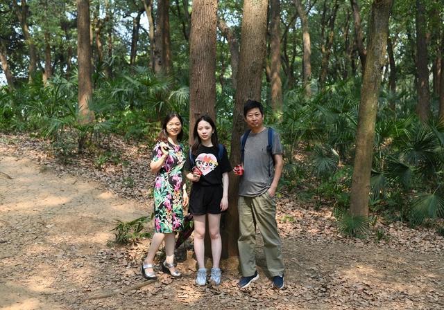 一代又一代武汉人的记忆就藏在这里。武汉动物园邀请你去看老照片展。 第2张