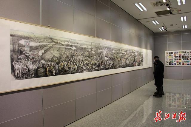 20世纪90年代后,画家们用3000张抗疫照片做了一幅画...湖北艺术界抗疫艺术作品展开幕。 第4张