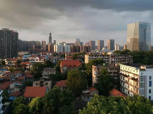 央视连续三天播出,只是武汉这个地方。 第2张