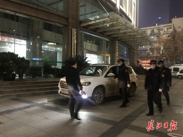 在残渣禁令下,武汉夜间巡逻没有发现出土工地。 第1张
