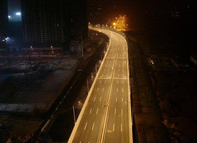 从武嘉高速到三环联络线31日开通,进出武汉南门追加通道。 第3张