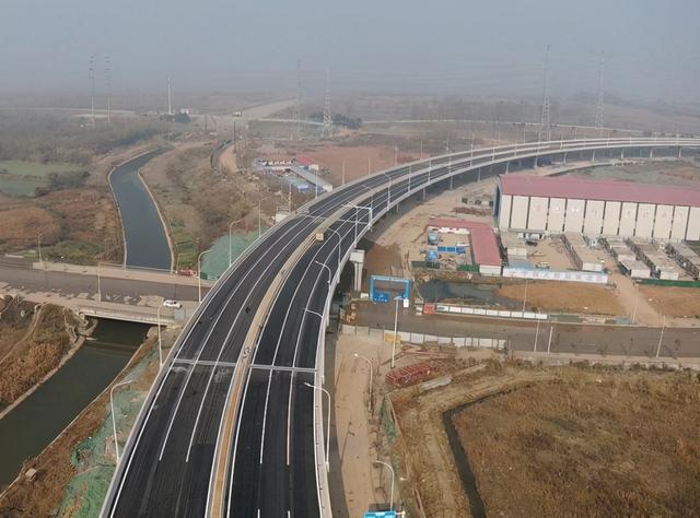 从武嘉高速到三环联络线31日开通,进出武汉南门追加通道。 第1张