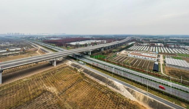 收官!武汉两江四岸成为全景生态绿廊。 第8张