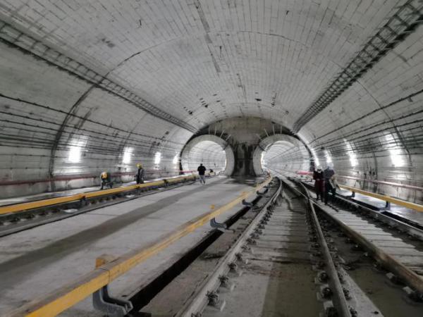 5G通讯、24小时智能诊断系统……看武汉地铁高精尖技术。 第2张