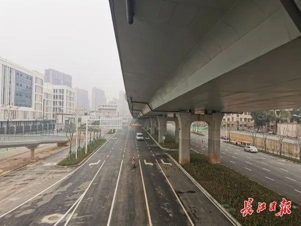 好消息,杨司港高架路的三个匝道已经全部开通。 第3张