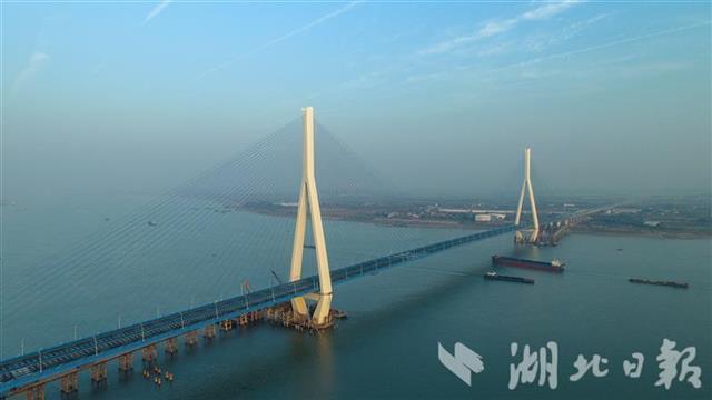 五年建成十一座长江大桥,湖北建桥数量居全国第一。 第3张