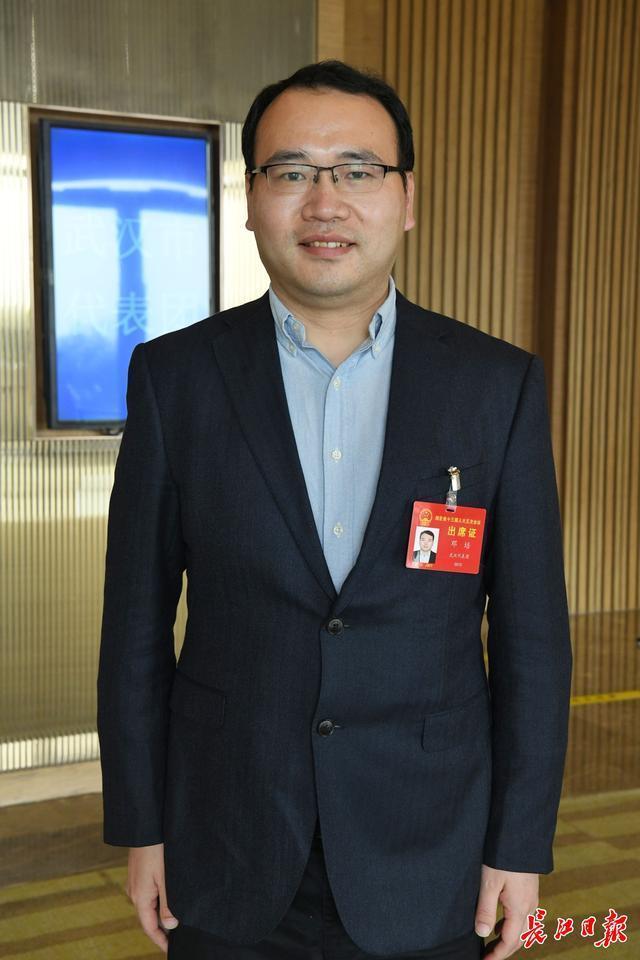 """省人大代表邓培支持培育和引进""""四不像""""新机构,将科技与市场结合起来。 第1张"""
