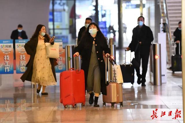 武汉春光灿烂,百花齐放,引来全国赏花客争相。 第4张