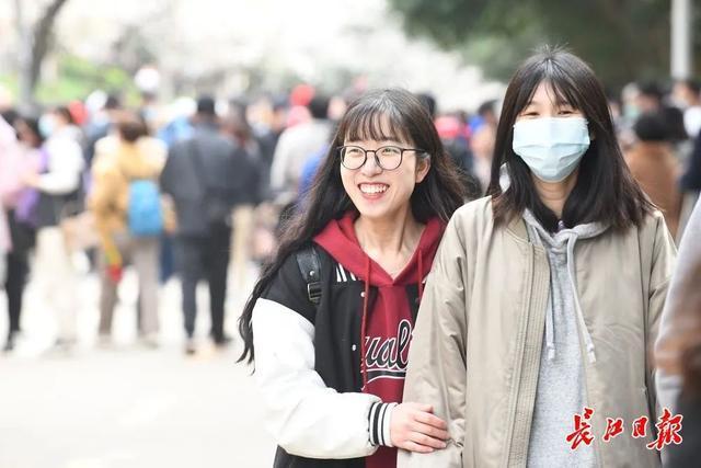 武汉春光灿烂,百花齐放,引来全国赏花客争相。 第9张