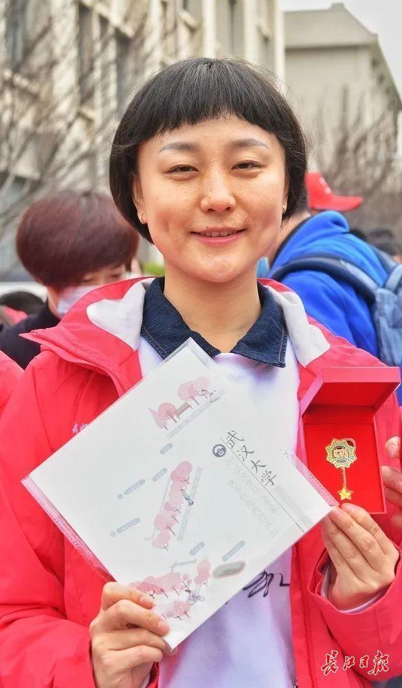 武汉春光灿烂,百花齐放,引来全国赏花客争相。 第12张