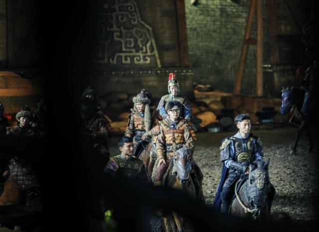 新的武汉夜游名片,大型实景演出《花木兰·云中战歌》在夜场上大放异彩。 第3张