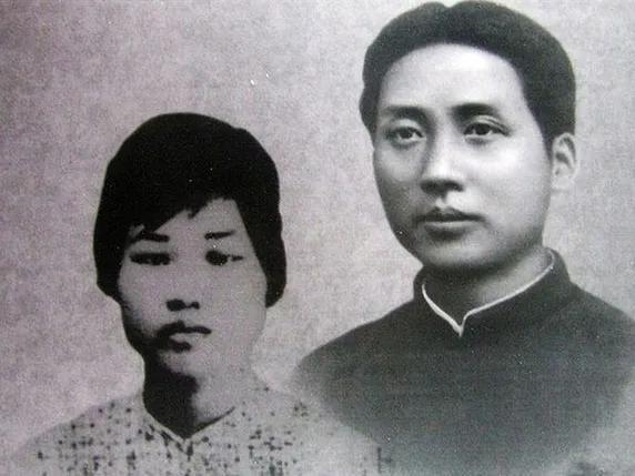 这个锈迹斑斑的铁箱在武汉珍藏多年,背后的故事令人动容。 第1张