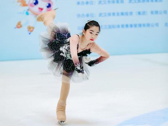 北京冬奥会倒计时300天,世界冠军亲自指导武汉青少年。 第2张